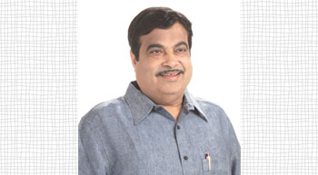 Gadkari urges US to invest in ports sector